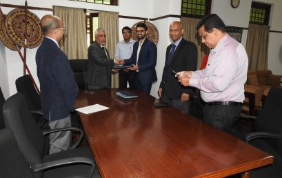 University of Colombo signs a MoU with Johnson and Johnson Private limited , India