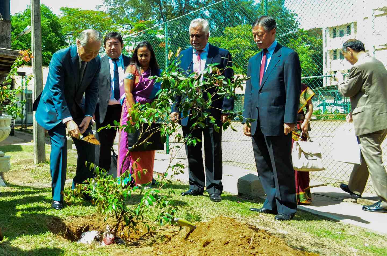 17 undergraduates of University of Colombo receive Mitsubishi UFJ Foundation Scholarship