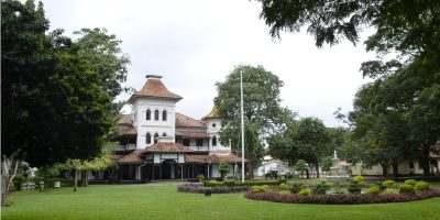 collegehouse1